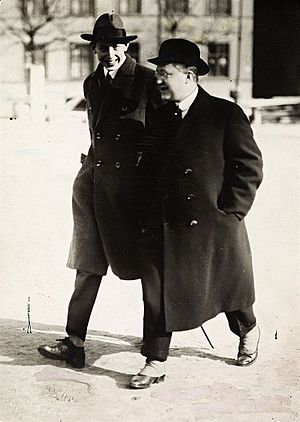 Nordahl Grieg - Nordahl Grieg with his brother, Harald, in 1922