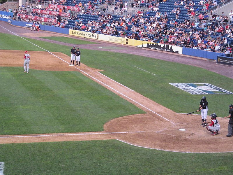 File:Brooklyn Cyclones vs. Staten Island Yankees - June 28, 2014 (14361260220).jpg