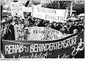 Bundesarchiv Bild 183-1990-1211-304, Leipzig, Demonstration für Erhalt der DHfK.jpg
