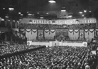 Sportpalast speech - Image: Bundesarchiv Bild 183 J05235, Berlin, Großkundgebung im Sportpalast