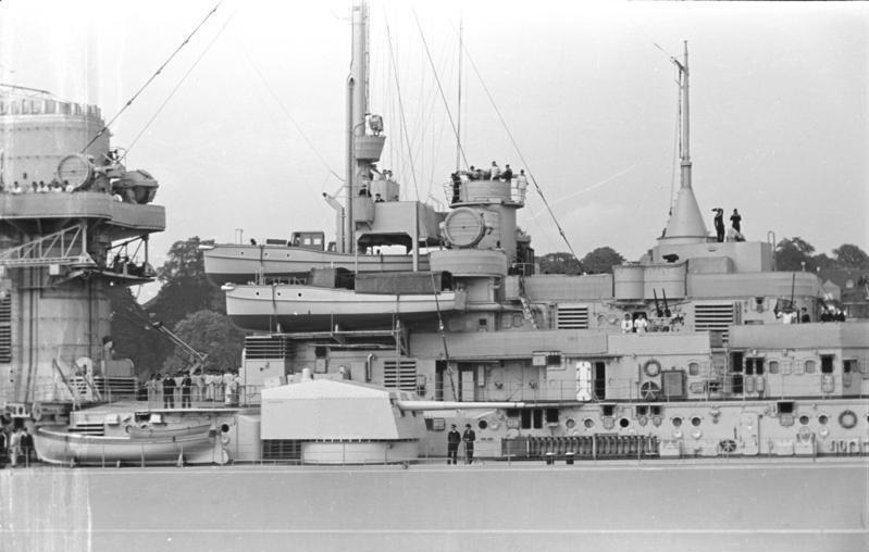 Bundesarchiv Bild 193-06-7-16, Schlachtschiff Bismarck
