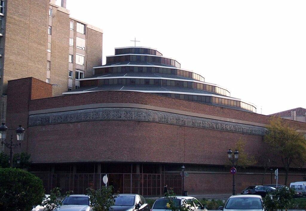 Burgos -Iglesia del Carmen (PP Carmelitas Descalzos) 5.jpg