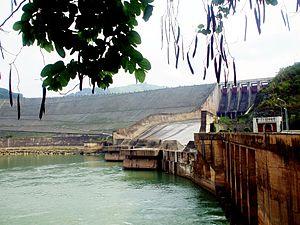 Hòa Bình Dam - Image: Cửa xả nước