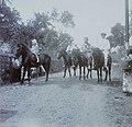 COLLECTIE TROPENMUSEUM Europeanen te paard tijdens een uitstapje in de omgeving van Prigen TMnr 60053727.jpg