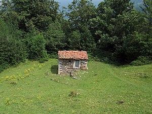 Cabana de Llaseiru.JPG