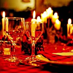 English: Candlelight Dinners