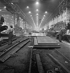 Cecil Beaton Photographs- Tyneside Shipyards, 1943 DB137.jpg