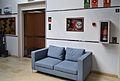 Centre d'Artesania, ascensor i sofà.JPG