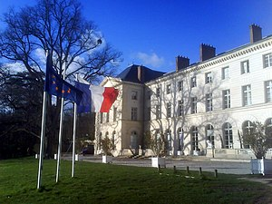 Osny - The front of the Château d'Osny