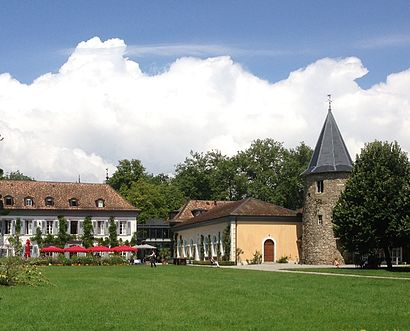 How to get to Château De Bossey with public transit - About the place