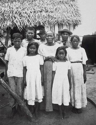 Chamorro people in 1915