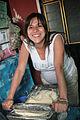 Che haciendo tortillas (3486390293).jpg