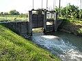 Chiusa regolazione acque Adigetto alle porte di Rovigo 02.jpg