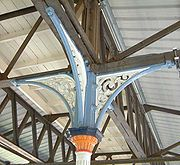 Details of roof support columns at Clapham Junction
