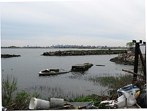 Soundview Park (Bronx) - Neglected lagoon at the south end of Soundview Park