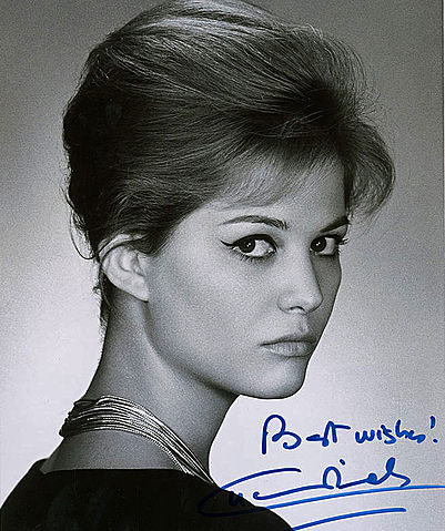 https://upload.wikimedia.org/wikipedia/commons/thumb/b/b8/Claudia_Cardinale-signed.jpg/401px-Claudia_Cardinale-signed.jpg