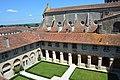Cloître de l'abbaye de Saint-Sever ensoleillé.jpg