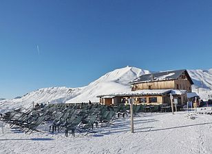 Col du Joly, restaurant (hiver 2015).JPG