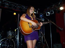 Colbie Caillat performing in Berlin, Germany, 17-11-2007.jpg