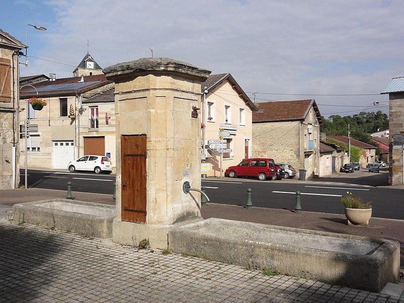 Combles-en-Barrois (Meuse) puits-fontaine