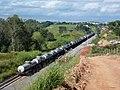 Comboio que passava sentido Guaianã na Variante Boa Vista-Guaianã km 229 em Indaiatuba. À direita, obras para duplicação da ferrovia. - panoramio.jpg