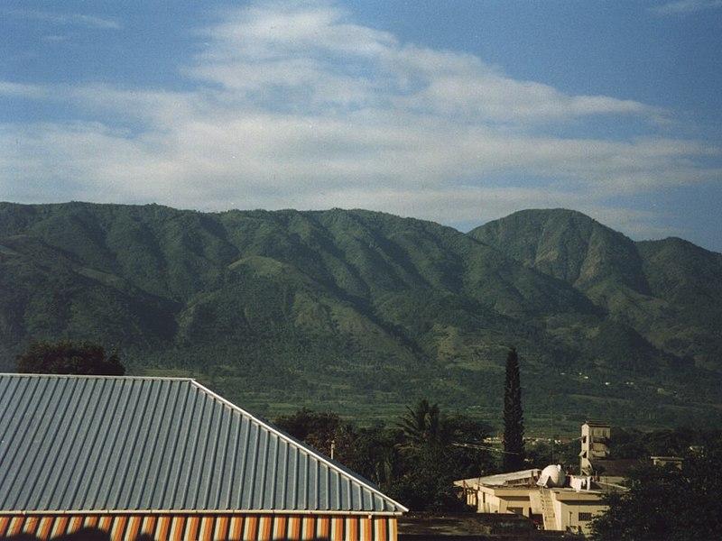 File:Cordillera Central, RD.JPG
