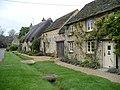 Cottages at Minster Lovell - geograph.org.uk - 1006343.jpg