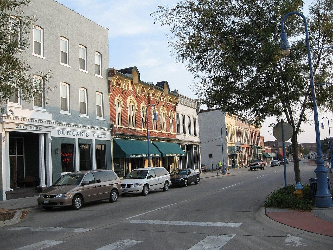 File:Council Bluffs, Iowa, Old Town.jpg - Wikimedia Commonsiowa town