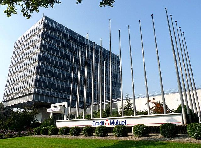 http://upload.wikimedia.org/wikipedia/commons/thumb/b/b8/Cr%C3%A9dit_Mutuel-Strasbourg.jpg/640px-Cr%C3%A9dit_Mutuel-Strasbourg.jpg