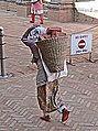 Dans les rues de Bhaktapur (Népal) (8531742713).jpg