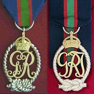 Decoration for Officers of the Royal Naval Volunteer Reserve - First and second King George V versions