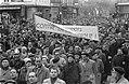 Demonstraties in Luik tegen de Eenheidswet, demonstranten trekken door Luik, Bestanddeelnr 911-9344.jpg