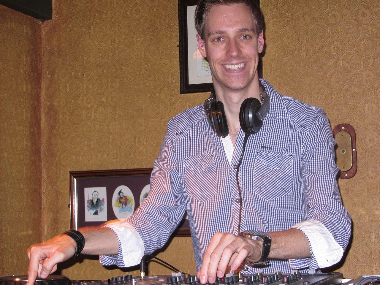 File:Dutch DJ and radio producer Tjitse Leemhuis during a ...