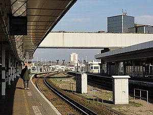 East Croydon station - Station platforms 2 and 3 on 9 February 2011