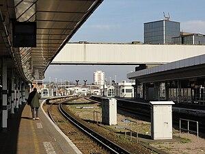 East Croydon station - Station platforms 2 and 3 on 9 February 2011