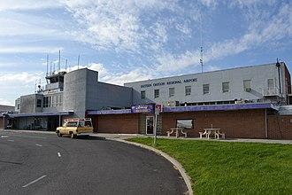Eastern Oregon Regional Airport - Image: Eastern Oregon Regional Airport (Pendleton, Oregon)