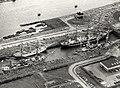 Een deel van de vloot geschut in de sluizen, het imposante sluitstuk van sail '80. (13 augustus), NL-HlmNHA 54011385.JPG
