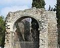 Enclos Saint-Césaire,vestiges salle voutée.jpg