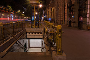 Bajcsy–Zsilinszky út (Budapest Metro) - Entrance at night