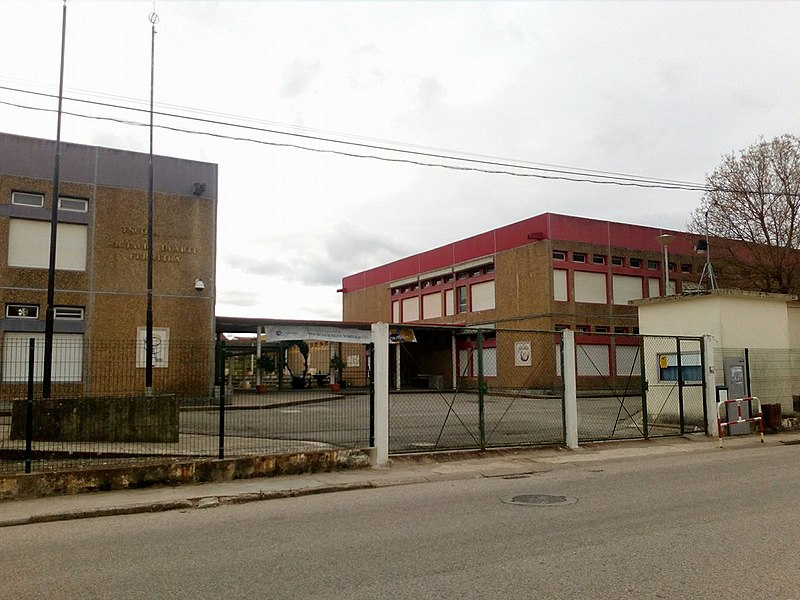 File:Escola ODF - TRAMAGAL.jpg
