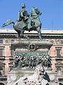 Estatua en la Plaza de Il Duomo, Milán.JPG