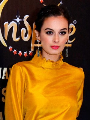 Evelyn Sharma graces the Inspire – Spiritual & Wellness Visionary Awards 2017 (3) (cropped)