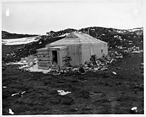 Expedition Building in Antarctica (5243256813).jpg