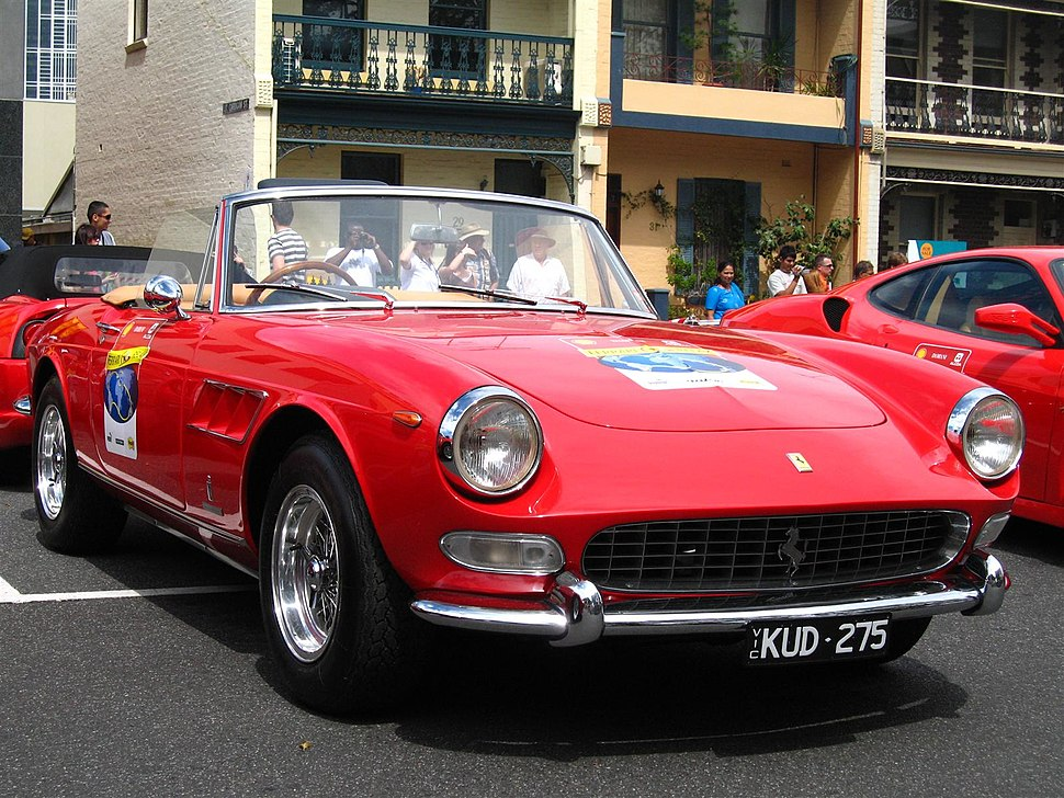 Ferrari 275 GTS - front right 1 (Argyle Place, Carlton, VIC, Australia, 3 March 2007)
