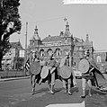 Filmreclame De mars van de Vikingen over het Gartmanplantsoen te Amsterdam Opd, Bestanddeelnr 916-8778.jpg