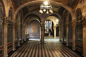 Holy Trinity Greek Orthodox Church, Vienna - Church interior