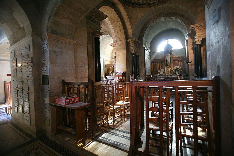 Intérieur du château de l'église Saint Bernard, Fontaine-lès-Dijon, France.