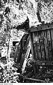 Fotothek df rp-e 0370005 Hochkirch-Sornßig. Ehem. Mühle, Stampfwerk in der zusammengebrochenen Mühle.jpg