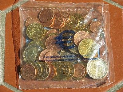 France Euro starter kit (january 2002).jpg