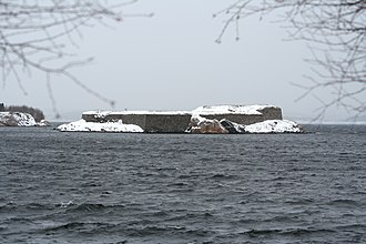 Fredriksholm Fortress - The remains of the fortress seen from west, a winter day in 2006. Batteriodden on the mainland in the background to the left.
